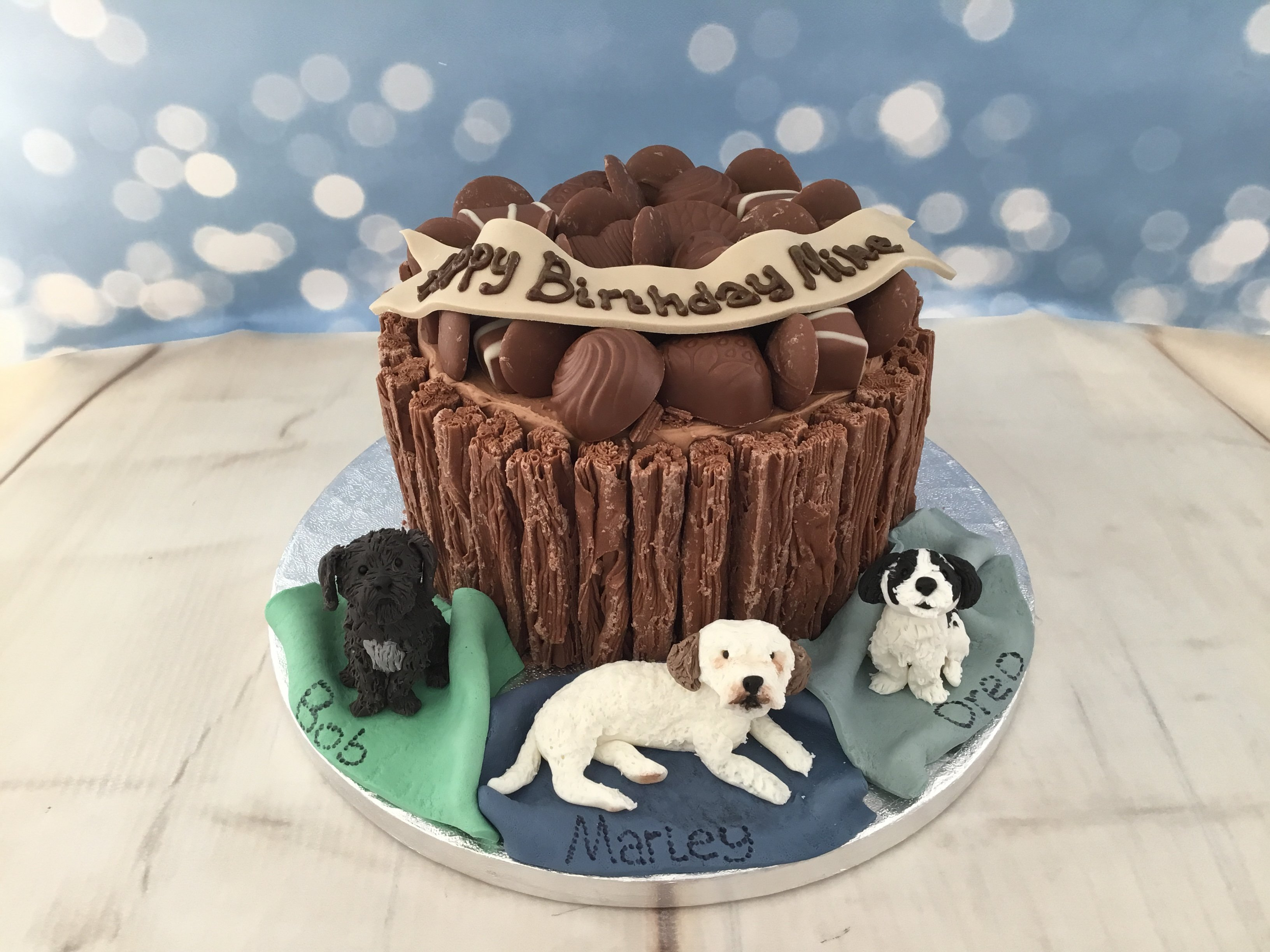 Chocolate cake with dogs
