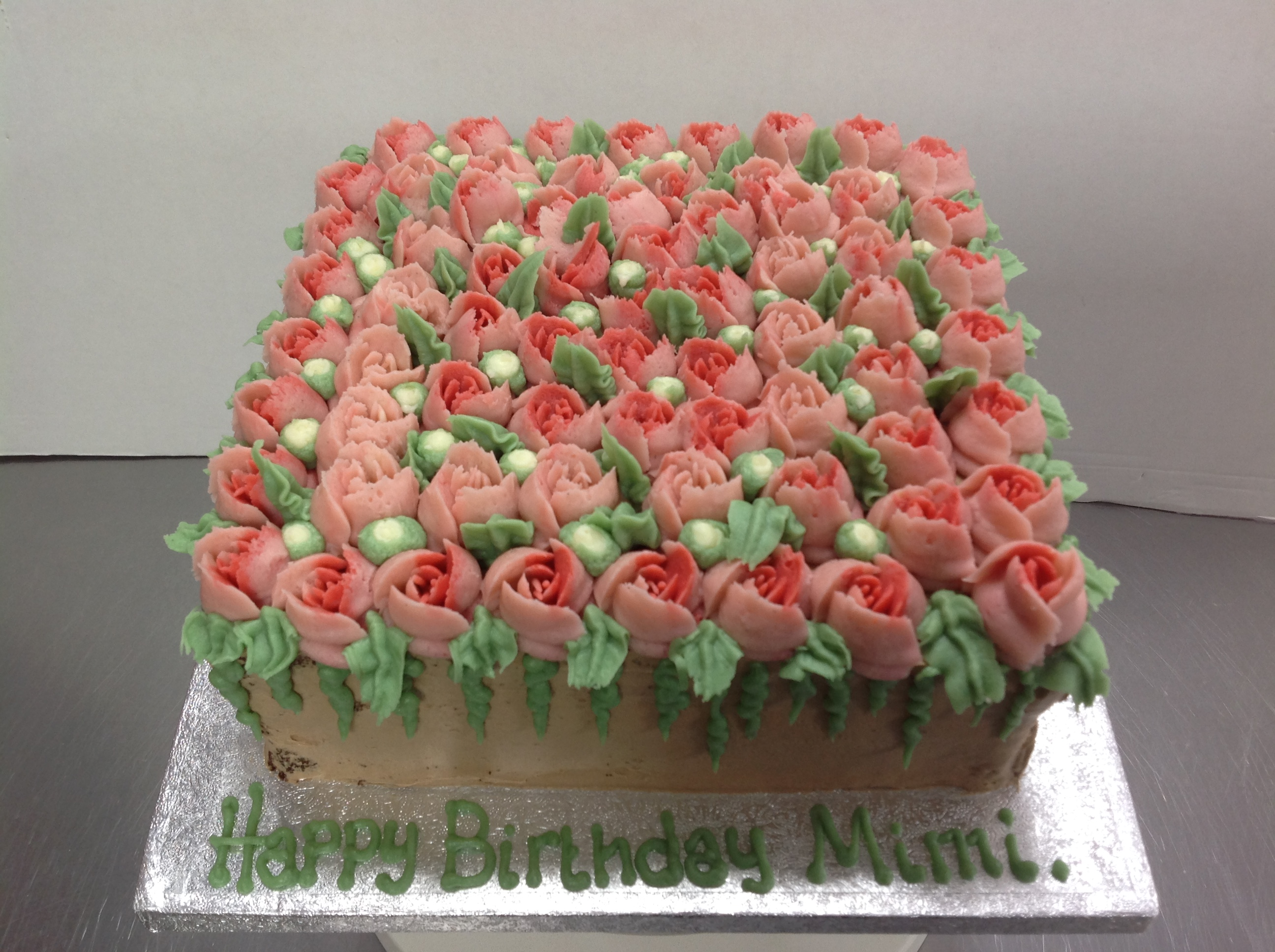 No sugarpaste cakes chocolate ganache cake topped with buttercream flower bouquet flowers izmirmasajfo